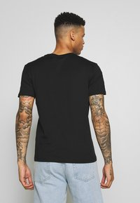 Pier One - 3 PACK - T-shirt basic -  black/ white