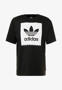 adidas Originals - SOLID - Camiseta estampada - black/white - 3