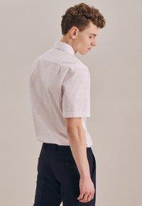 Seidensticker - BUSINESS REGULAR - Shirt - rot - 1