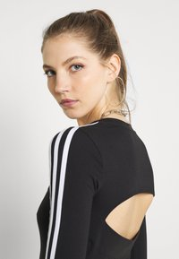 adidas Originals - ORIGINALS ADICOLOR BODYWEAR SUIT FITTED - Bluzka z długim rękawem - black - 3