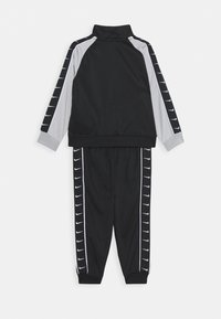 Nike Sportswear - TRICOT TAPING SET - Tepláková souprava - black - 1