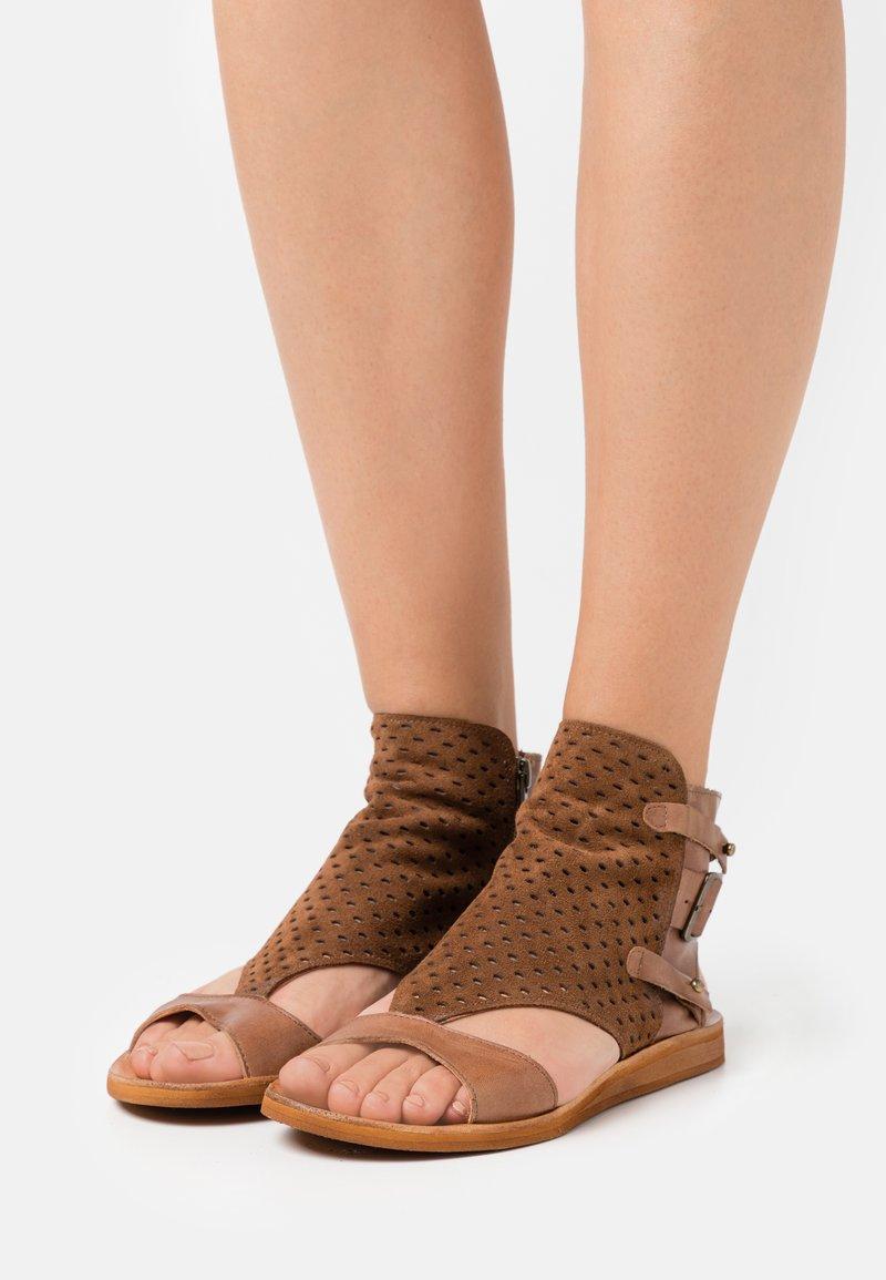 Felmini - CAROLINA  - Ankle cuff sandals - brown