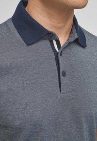 s.Oliver BLACK LABEL - MET GESTREEPTE BOORDJES - Polo shirt - dark blue melange - 4