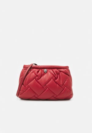 KENSINGTON SOFT CLUTCH - Kopertówka - red