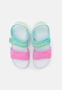 New Balance - WELCRO UNISEX - Sandály do bazénu - pink - 3