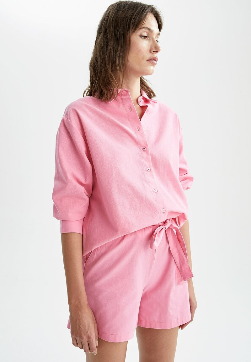 DeFacto - OVERSIZED - Button-down blouse - pink