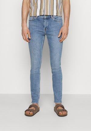 CHASE - Slim fit jeans - ripple light blue