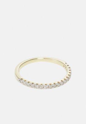 9KT YELLOW GOLD 0.22CT CERTIFIED DIAMOND HALF ETERNITY RING - Ringe - gold