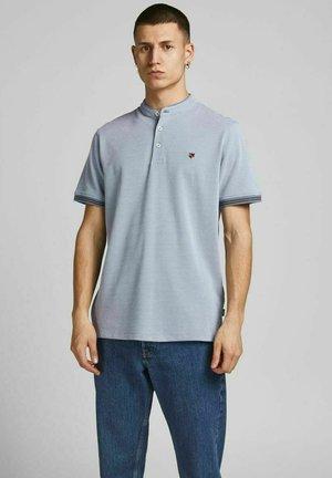 MANDARINKRAGEN - T-shirt print - flint stone