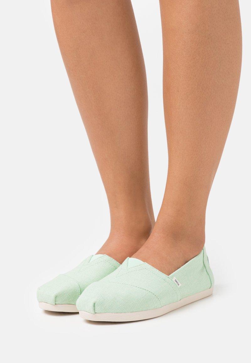 TOMS - ALPARGATA VEGAN - Nazouvací boty - pastel green