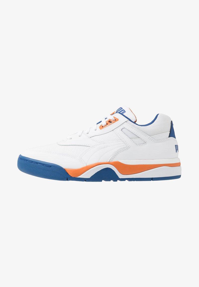 Puma - PALACE GUARD - Matalavartiset tennarit - white/jaffa orange/galaxy blue