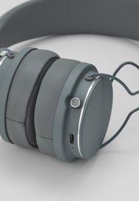 Urbanears - PLATTAN 2 BLUETOOTH - Headphones - dark grey - 7