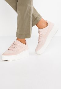 Nike Sportswear - AIR FORCE 1 SAGE - Joggesko - particle beige/phantom - 0