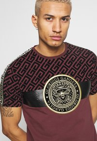 Glorious Gangsta - ELIAN - T-shirt imprimé - burgundy - 4