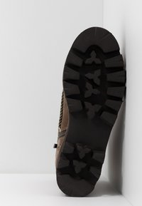 Alma en Pena - Platform ankle boots - crosta taupe - 6