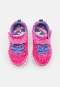 Skechers - COMFY FLEX - Tenisky - hot pink/purple - 3