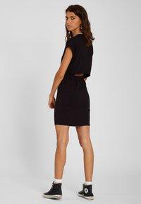 Volcom - SIIYA DRESS - Jersey dress - black - 2