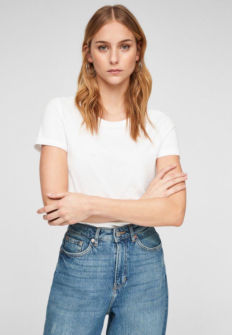QS by s.Oliver - Basic T-shirt - white