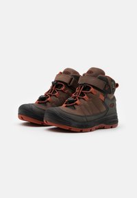 Keen - MID WP UNISEX - Hiking shoes - coffee bean/picante - 1