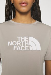 The North Face - TEE - T-shirts med print - mineral grey - 4