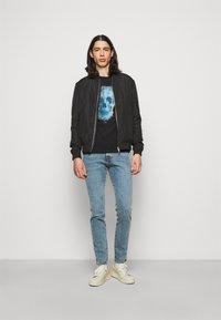 PS Paul Smith - MENS SLIM FIT SKULL - Print T-shirt - black - 1