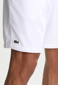Lacoste Sport - HERREN SHORT - Sports shorts - white - 3