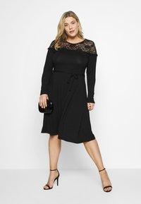 Dorothy Perkins Curve - VICTORIANA FIT AND FLARE DRESS - Sukienka etui - black - 1