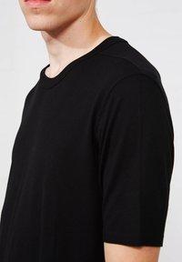 Thom/Krom - Basic T-shirt - schwarz - 2