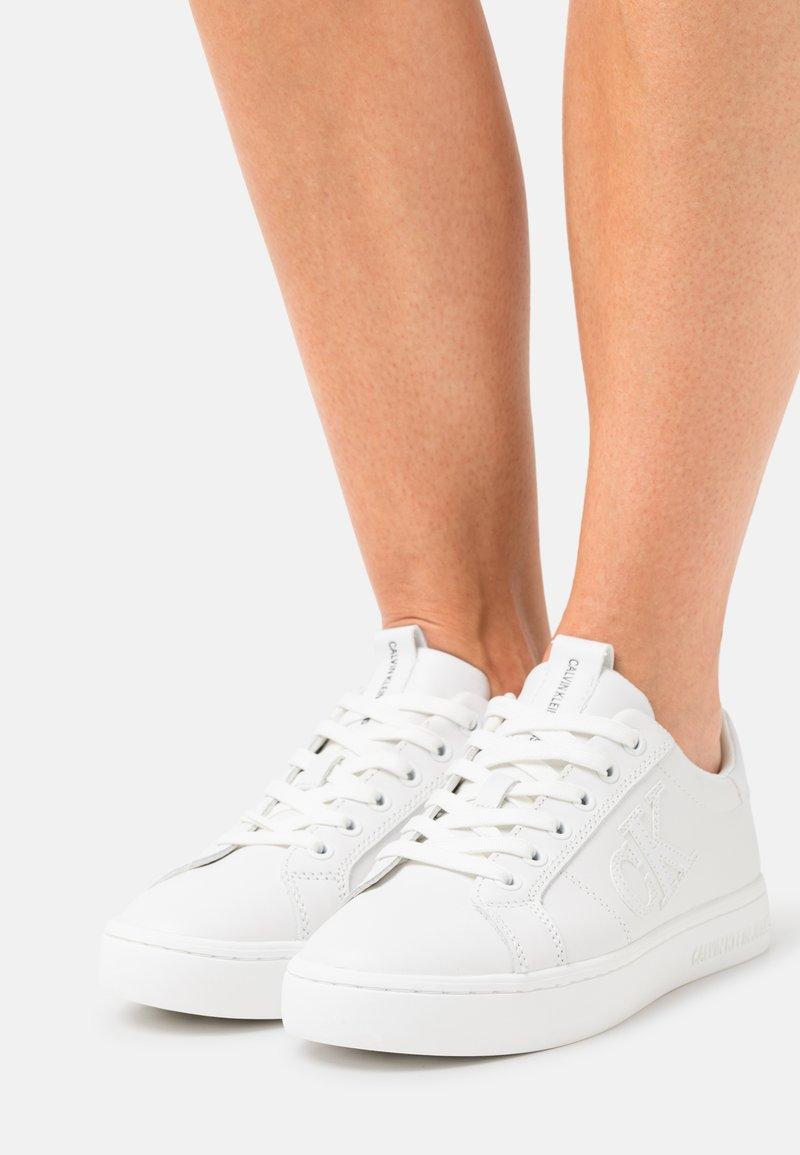 Calvin Klein Jeans - Sneakers laag - triple white