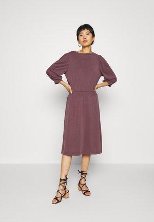 CLIASZ 3/4 DRESS - Jersey dress - huckleberry