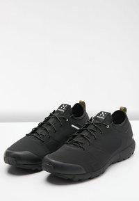 Haglöfs - L.I.M LOW - Hiking shoes - true black - 3