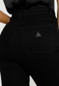 Abrand Jeans - A DOUBLE OH  - Flared Jeans - black denim - 5