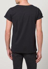 Resteröds - JIMMY - Basic T-shirt - black - 4