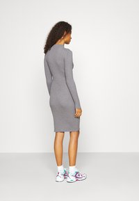 Vila - VISOLTO BUTTON DRESS - Robe fourreau - medium grey melange - 2