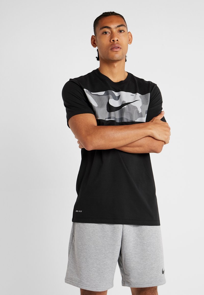 Nike Performance - DRY TEE CAMO BLOCK - Print T-shirt - black/white