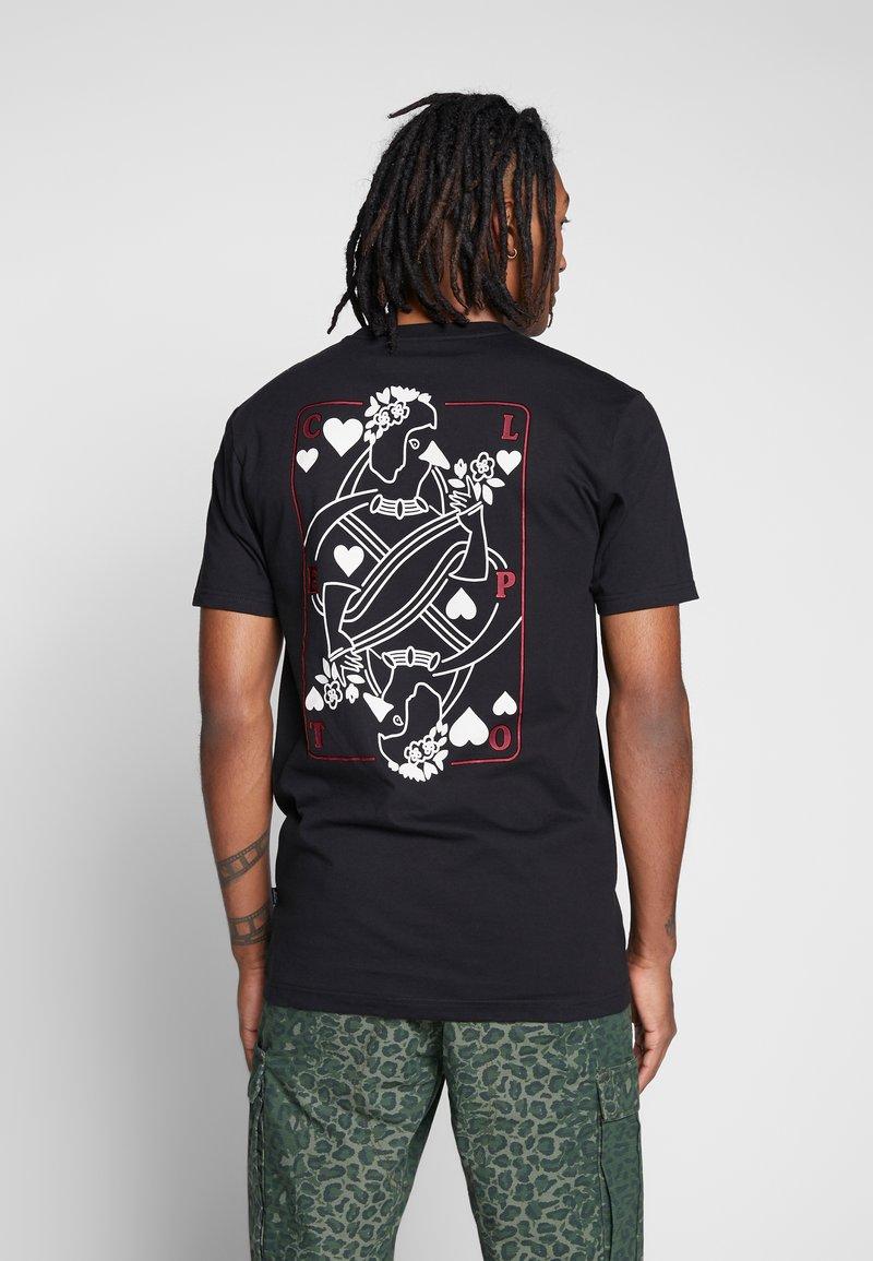 Cleptomanicx - CARDS - T-shirt z nadrukiem - black