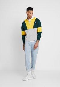 adidas Originals - SAMSTAG RUGBY SHIRT LONG SLEEVE PULLOVER - Mikina - grey, yellow - 1