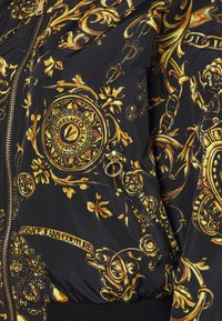 Versace Jeans Couture - OUTERWEAR - Bomber Jacket - black/gold - 7