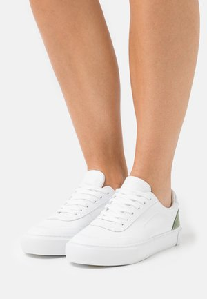 VENUSE - Trainers - white/light oliv