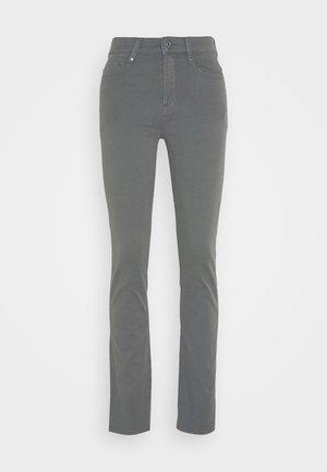 4311 MOTO HIGH STRAIGHT WMN - Straight leg jeans - grey