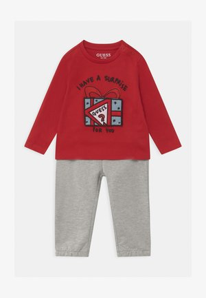 ACTIVE BABY SET - Tracksuit - tulip red