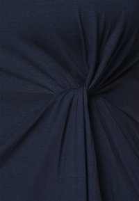 Vero Moda Curve - VMAVA LULU ANCLE DRESS - Maxi šaty - navy blazer - 6
