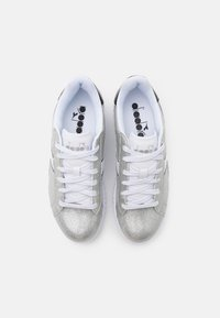 Diadora - GAME STEP GLITTER - Sports shoes - silver metalized - 3