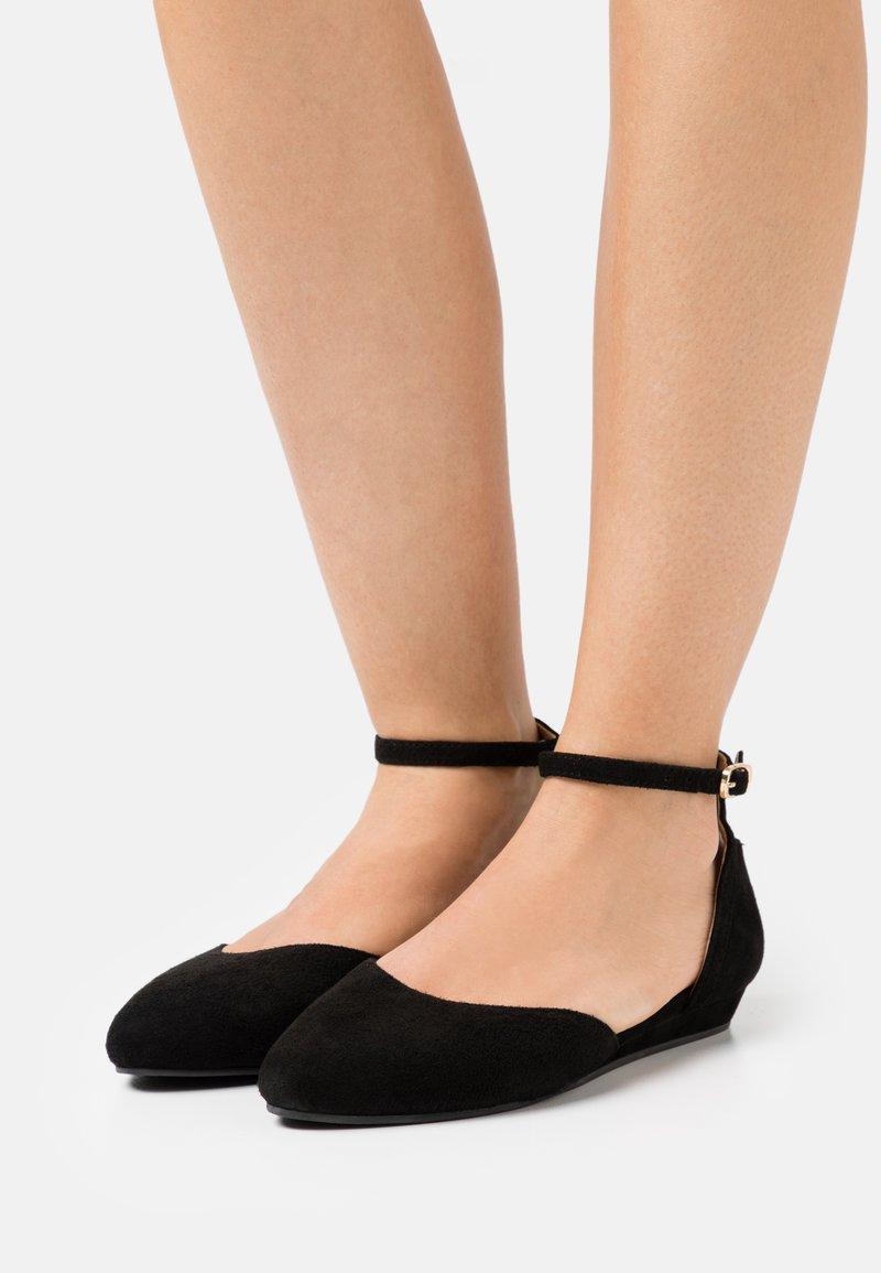 Anna Field - LEATHER - Ballerinat nilkkaremmillä - black