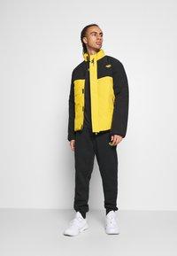 Hi-Tec - BRENDON PADDED COAT - Winter jacket - golden glow - 1