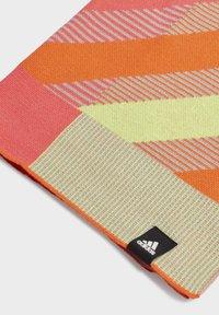 adidas Performance - PRIME SCARF - Hals- og hodeplagg - pink - 1