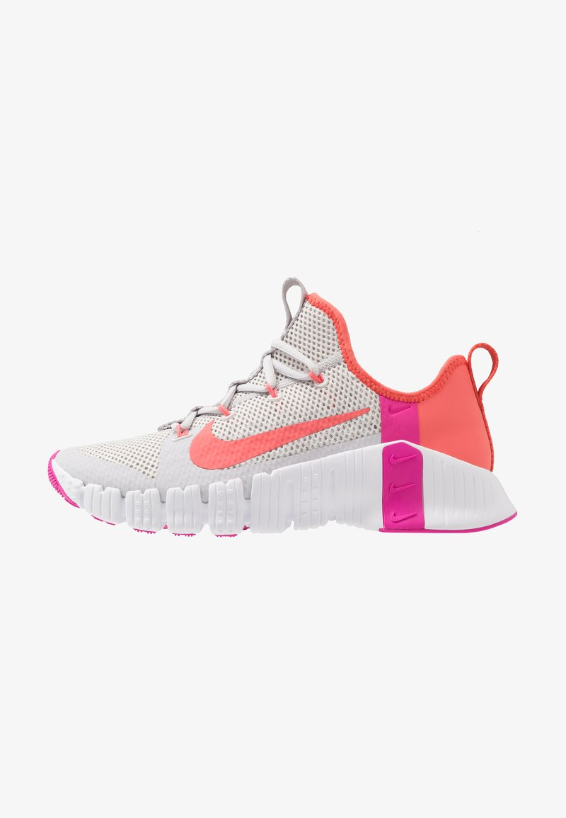 Nike Performance - FREE METCON  - Sports shoes - vast grey/magic ember/white/fire pink