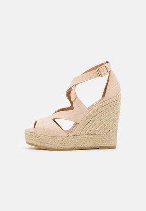 SOFIA - Sandály na platformě - hellbeige
