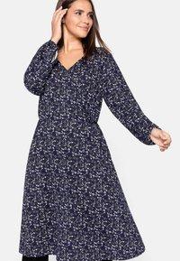 Sheego - Jersey dress - lila bedruckt - 0