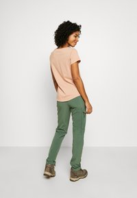 Patagonia - CHAMBEAU ROCK PANTS - Pantalon classique - camp green - 2